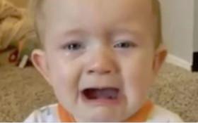 [WATCH] Baby cries every time he hears Adele