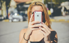 Technobyte: Would you go under the knife in order to take the perfect selfie?