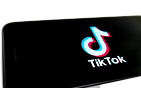 [WATCH] How TikTok became 2020's go-to App and why it's so popular
