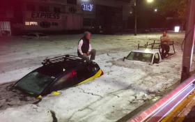 [VIDEO] Freak hailstorm during Mexican summer