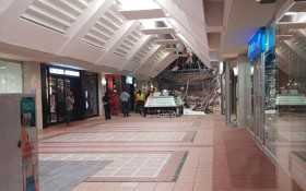 At least 2 hurt in roof collapse at Somerset Mall