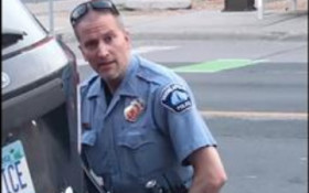 [VIDEO] Man dies after cop kneels on his neck and choking him during arrest