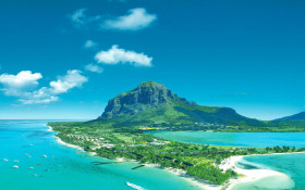 Chance discovery of a new continent under Mauritius