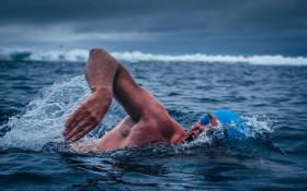 VIDEO: Swimmer Lewis Pugh dives into Antarctica's groundbreaking Ross Sea deal