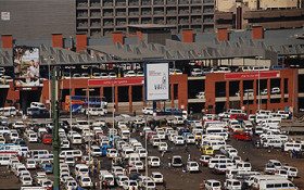 JHB taxis defy the law and load vehicles to 100% capacity