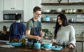 美食攻略:8种在厨房尝试的简单技巧和窍门