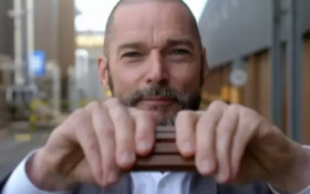 [WATCH] Fred Sirieix breaks Kit Kat all wrong, social media having none of it