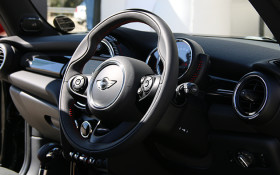 [LISTEN] Will the Steering wheel disappear in the future ?