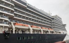Luxury Queen Elizabeth cruise liner to spend 1 more night in CT