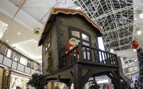V&A Waterfront: Meet Santa in Santa's Workshop