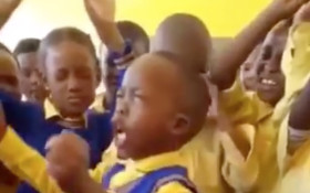 [WATCH] Little boy praying for classmates has social media in stitches