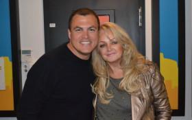 Bonnie Tyler in studio with Kfm Breakfast