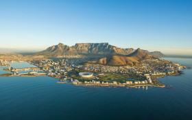 Cape Town – facing worst drought in 100 years – braces for bumper tourist season