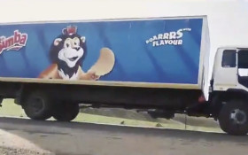 [WATCH] WC strong winds causes Simba truck to fall on its side