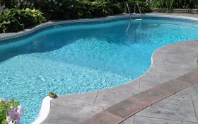 Filling up your pool for summer? Expert says treat borehole water first