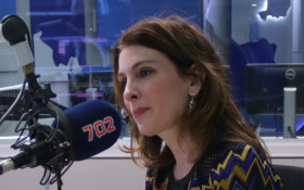 Singer-songwriter Louise Carver makes music on #702Unplugged