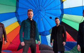 Westlife back on the charts with a SMASHING new hit