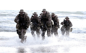 Coming in hot - the Kfm Mornings team chats to a real-life Navy SEAL!