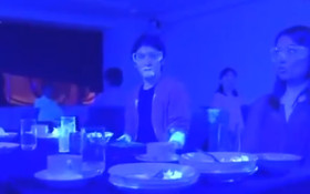 [WATCH] Restaurant blacklight experiment shows speed of how virus may spread