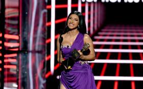 Billboard Music Awards please Cardi