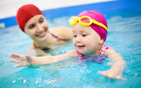 What is the right age to teach your kids how to swim?