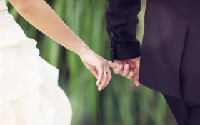 """[LISTEN] The Flash Drive: """"Yes Dear"""" - The Only Marriage Advice You'll Need"""