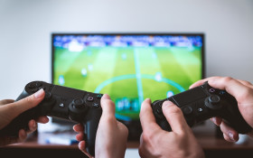 [LISTEN] Feel Great News: Husband quits playing games for wife