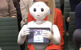 [WATCH] Pepper the robot first non-human to face questions in UK Parliament