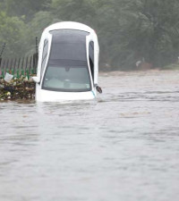 Rescue missions underway in flooded Centurion Lake Hotel
