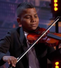 [WATCH] 11-year-old cancer survivor gets AGT judge Simon Cowell's golden buzzer