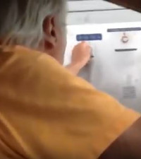 [WATCH] Man hilariously getting angry while paying for parking goes viral