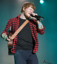 Ed Sheeran chowed down on jerk before final show of the year