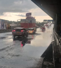 Gauteng residents urged to be cautious as thunderstorm warning issued