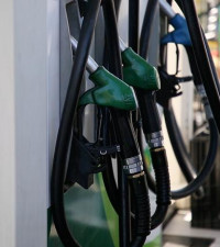 Fuel price hike predicted as oil prices soar