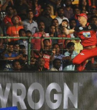 [WATCH] The spectacular moment AB de Villiers bent the laws of physics