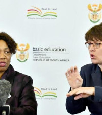 Motshekga apologises for 'inconveniences' after U-turn on reopening schools
