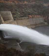 [LISTEN] Two men hilariously trying to give solutions to water crisis goes viral