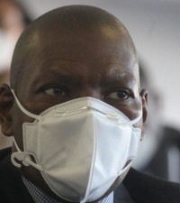 Health Minister Dr Zweli Mkhize and his wife test positive for COVID-19