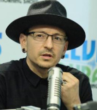 Linkin Park's Chester Bennington (41) found dead in apparent suicide by hanging
