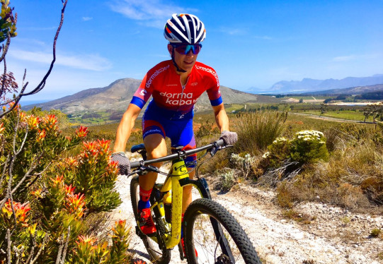 From surgery to the world champs with Robyn de Groot