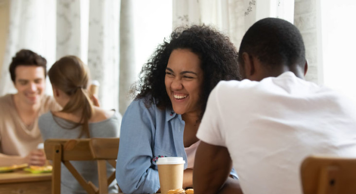 [WATCH] Do you date one or many people during the talking stages?