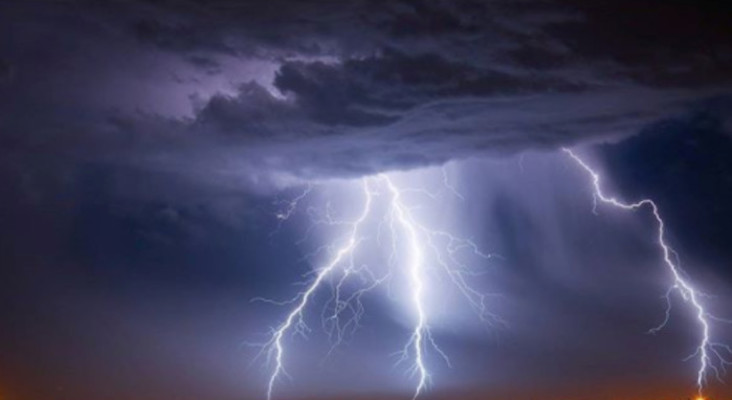 00dd61fc0787 STUNNING photos from last night s lightning storm in Cape Town!