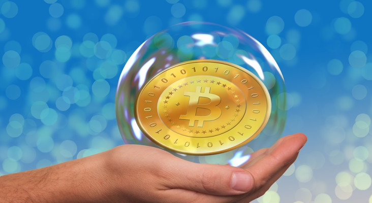 Bitcoin vs Steinhoff – which one would you buy (if you had to hold for a year)?