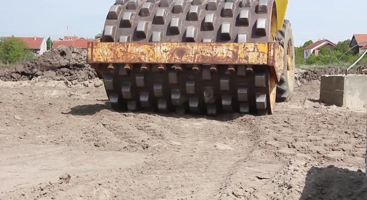 Capetalker complains building contractor using potable water