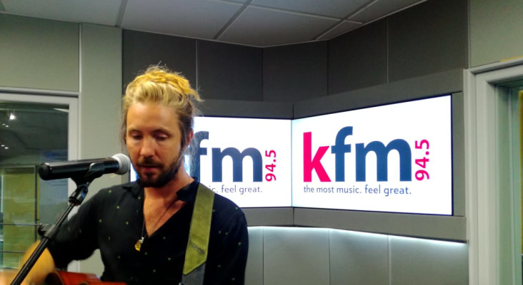 [LISTEN] Jeremy Loops getting ready for SUMMERSAULT FESTIVAL on The Flash Drive