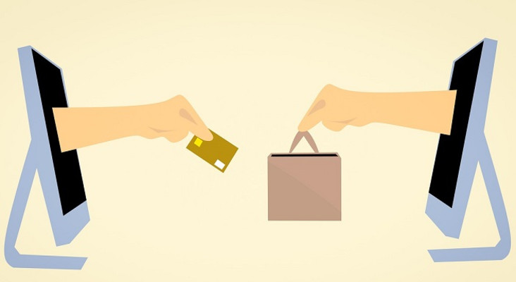 [LISTEN] E-commerce is growing faster than traditional shopping