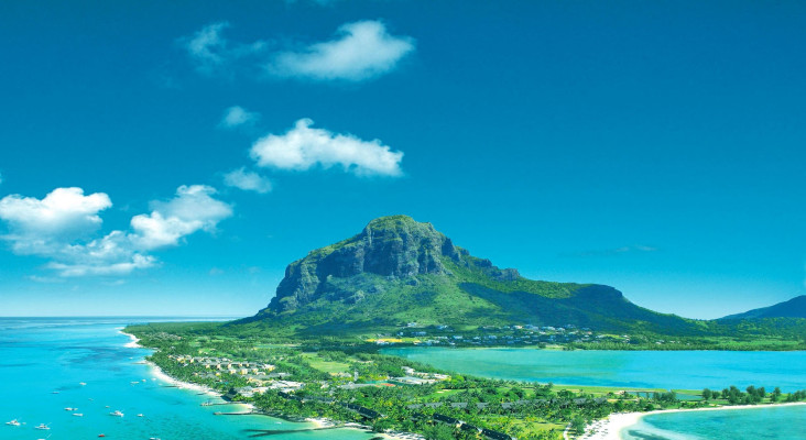 Ryan gives away a holiday to Mauritius valued at R100 000