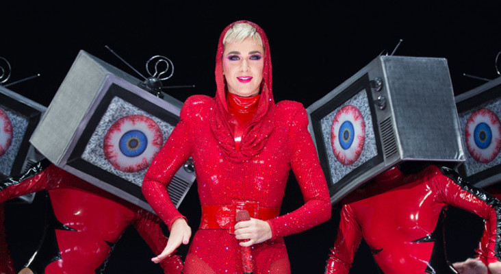 Katy Perry is coming and Kfm 94.5 is giving you a chance to go see her live!