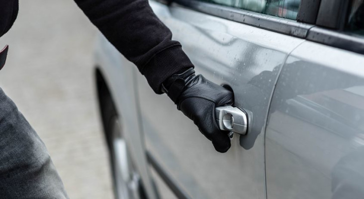 Got a vehicle tracker? There's a clever new scam - thieves are stealing cars