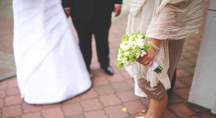 Whackhead's Prank: Bride hilariously pranks her bridesmaid